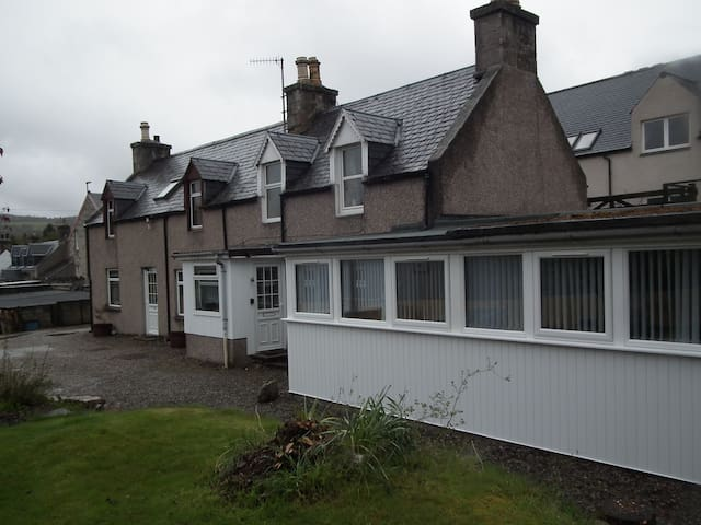 Entire cottage highlands, Grantown - Grantown-on-Spey - Huis