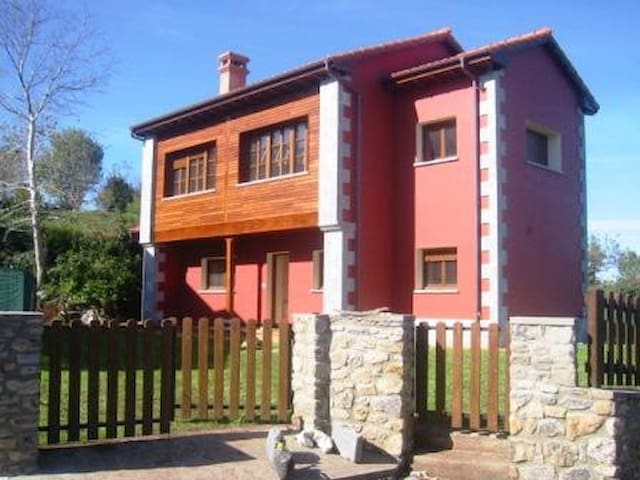 Bonita casa en Ribadesella, 3 hab - Ribadesella - Ev