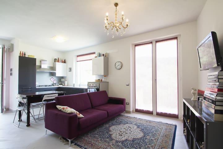 Lilac Apartment with sea view & mou - Cervo - Leilighet