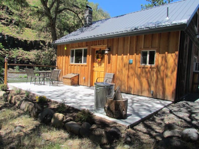 new cabin in a canyon by a river - Klickitat - Kulübe