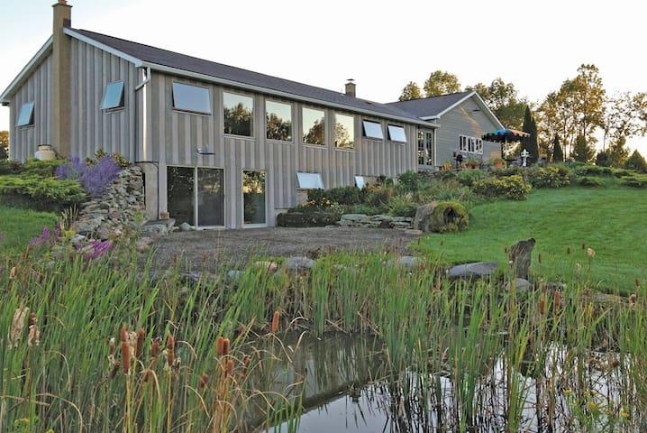 Field House: 100 acres of solitude - Pleasant Mount - Ev