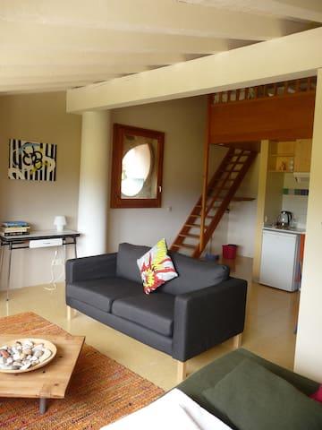 apartment with countryside views - Maià de Montcal - Διαμέρισμα