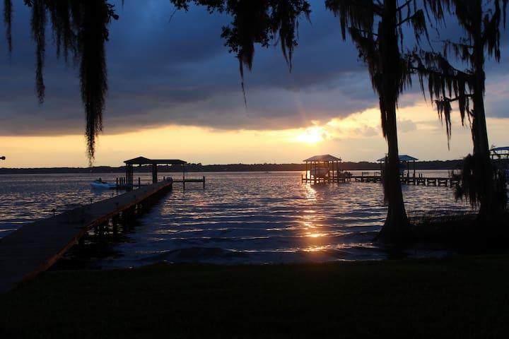 Old Florida Charm - Fleming Island - Casa