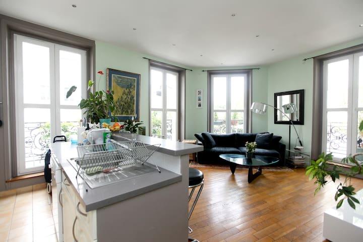 Room+private bathroom in the MARAIS - Paris