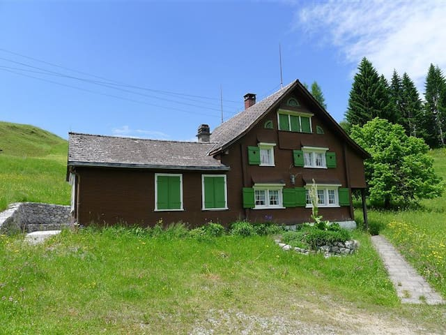 Holidays in the Swiss mountains - Nesslau-Krummenau - Hus