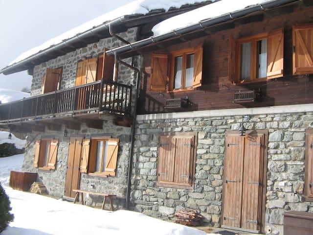 Baita ristrutturata Val D'Aosta - Antagnod - Stuga
