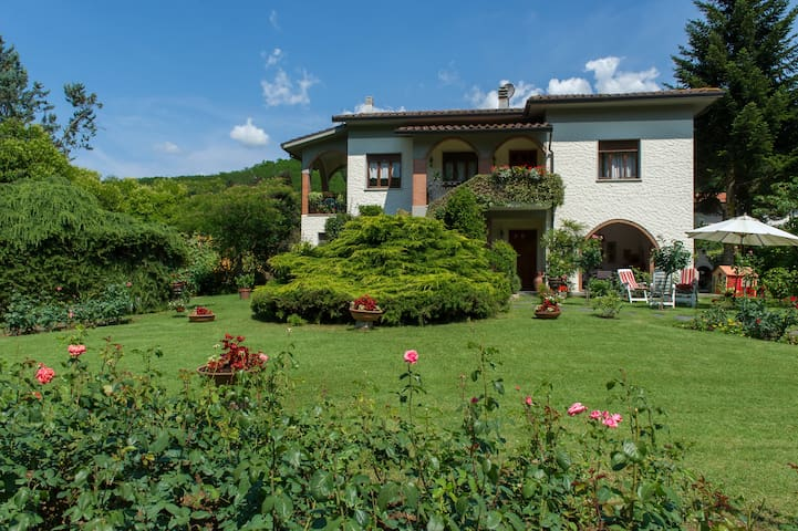 Villa Lucca/Monsagrati 4-5 pax - Monsagrati (LU) - Apartment