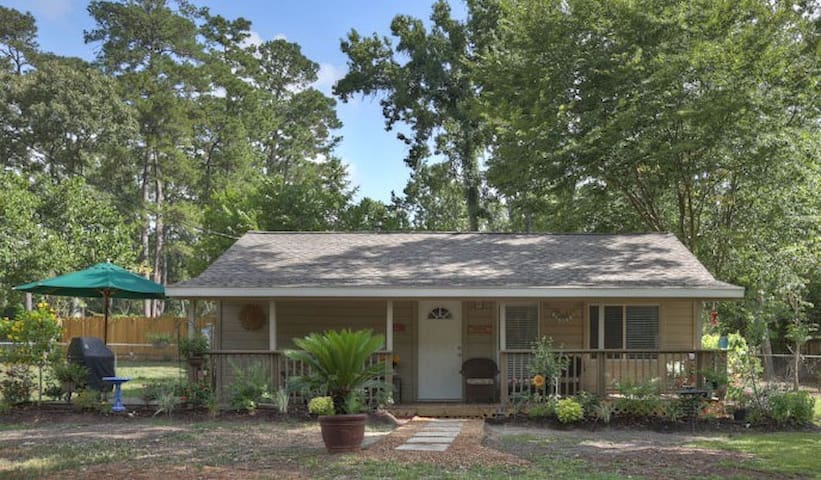 Country Cottage in The Woodlands - Conroe - Hus