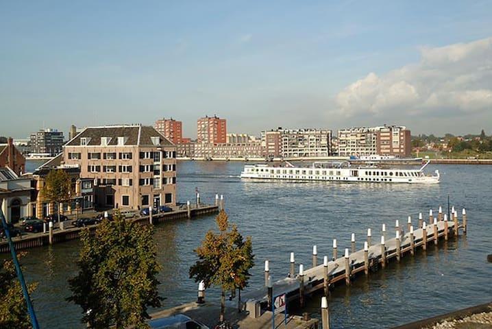 4 p. App with magnificent riverview - Dordrecht - Apartamento