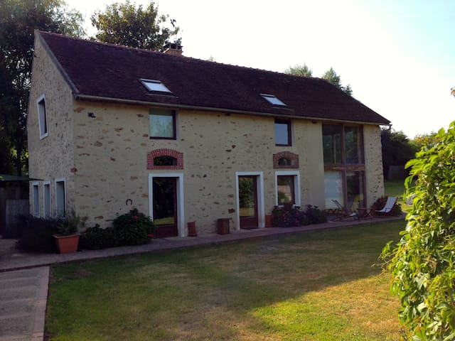 Country house near DisneyLand Paris - Saint-Rémy-la-Vanne