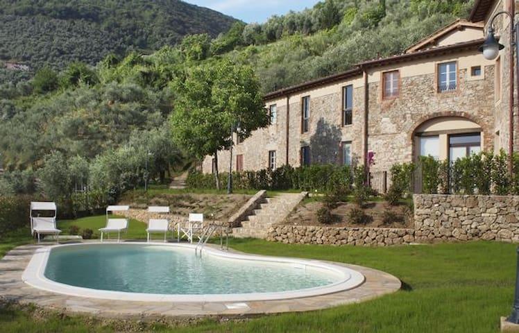 Elegante appartamento con piscina  - Camaiore - Departamento