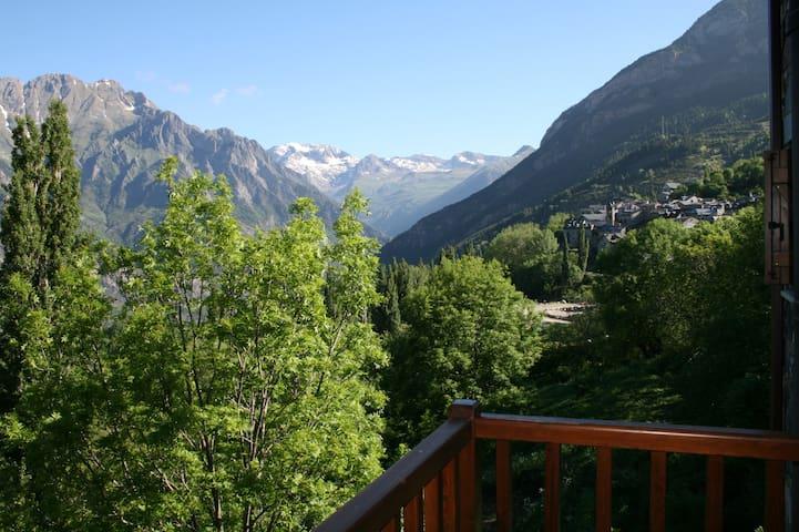 Apartamento con encanto  en Pirineo - Cerler - Apartament