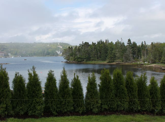 Beautiful ocean front property - Prospect Bay - Ev