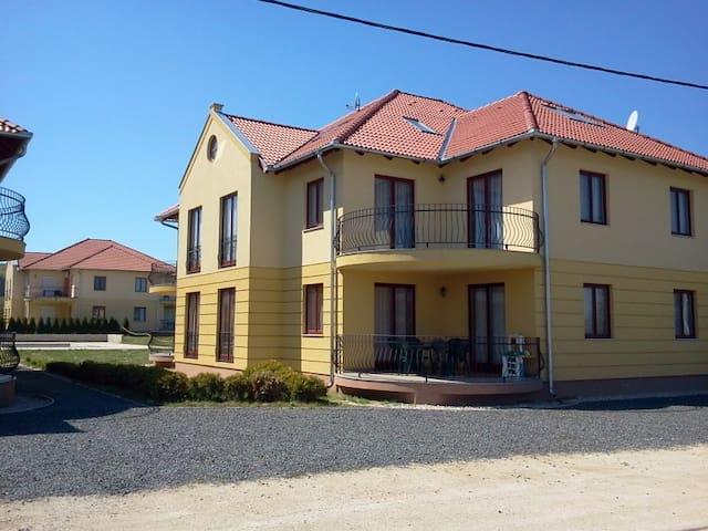 Apartments in Kehidakustany - Kehidakustány - Apartamento