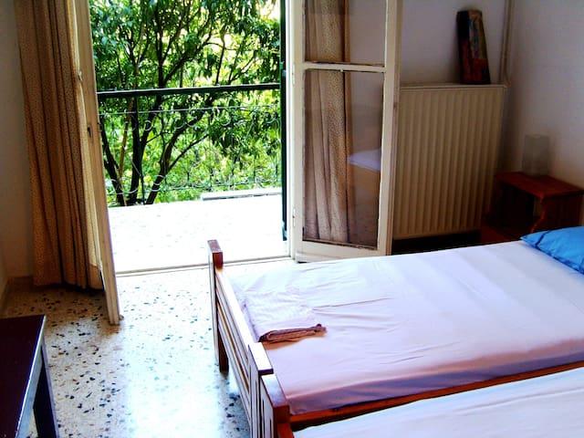 Desfa, rooms to let - Παρέλια - Talo