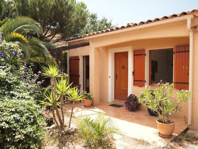 1 bedroom closed to Hyeres, Riviera - La Crau - Bed & Breakfast