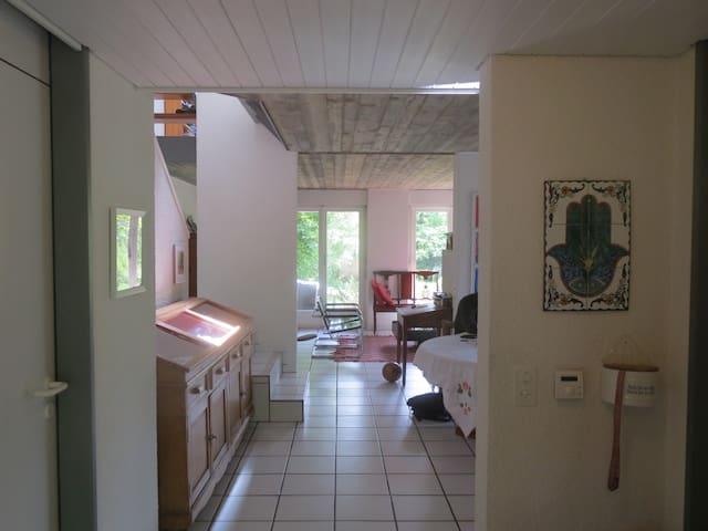 Lovely house close to center, Berne - Muri bei Bern