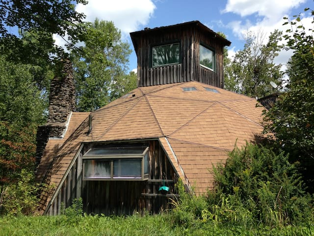 Geodesic Dome House: Hot Tub: Low Cost Bungalow - Woodbury