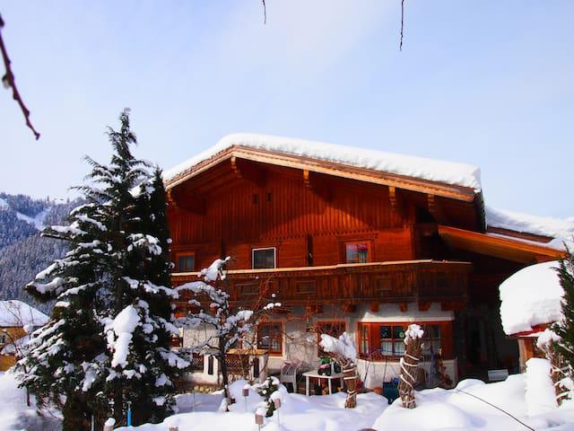 Holiday in the Salzburger Mountains - Sankt Martin am Tennengebirge