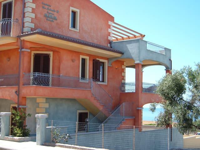 Sea view apartment - La Ciaccia - La Ciaccia