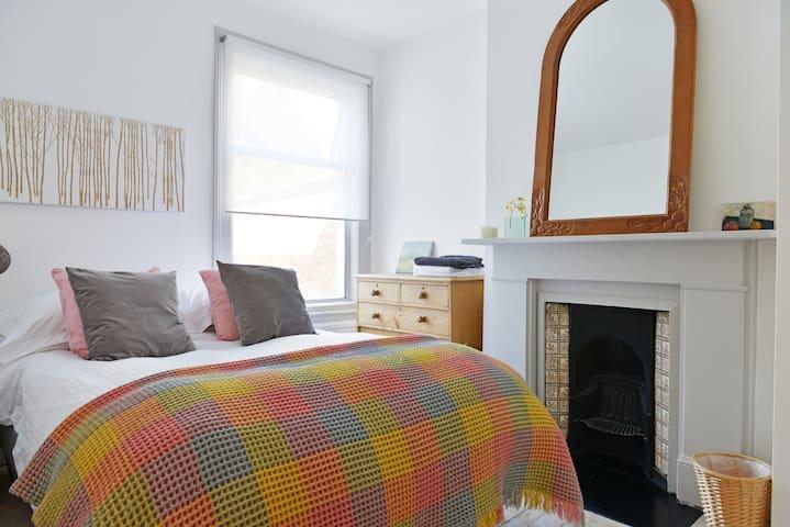Central, Camden, Hampstead Dbl Room - London