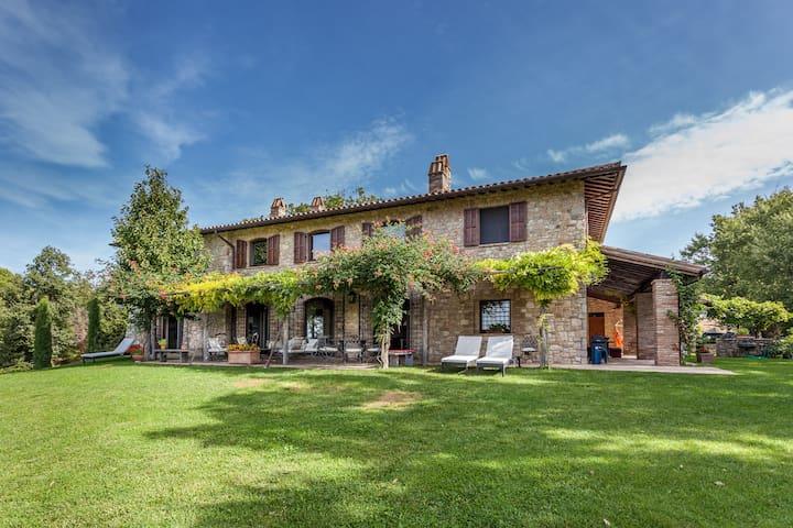 Todi Luxury casale with view - Castelvecchio - Villa