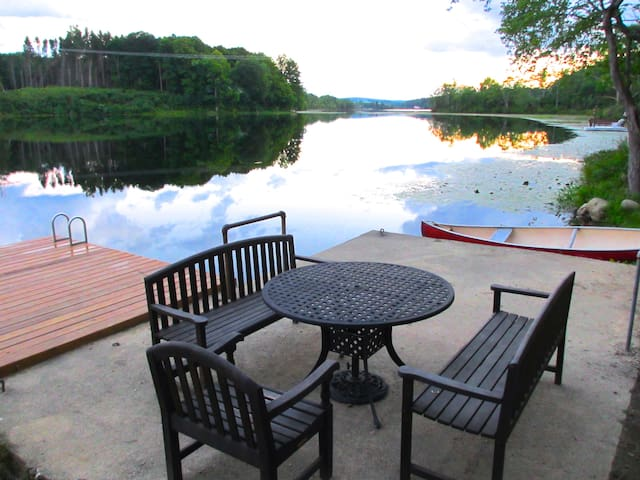 Lakefront Cabin on 10 private acres - Newton - Hytte