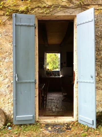 Belle maison en pierre  - Saint-Maurin - Hus