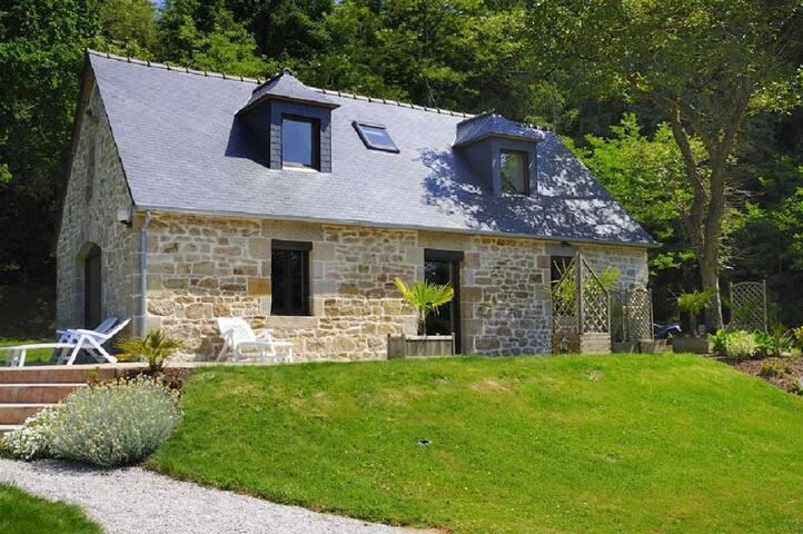 Maison au coeur de la Bretagne.  - Rostrenen - Hus