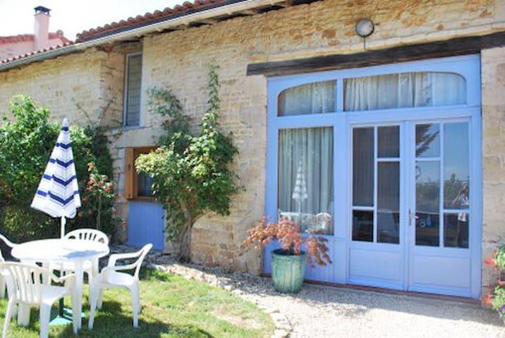 Maison Les Rosiers - Lorigné - Haus
