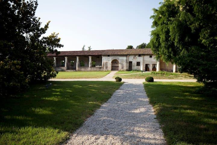Essenza/ Villa Sesso Schiavo  - Sandrigo - Huis