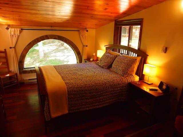 White Lotus Eco Spa Retreat-Suite P - Stanardsville - Lägenhet