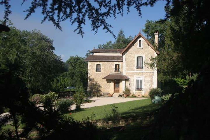 Exquisitely Restored Villa on River - Sarlat-la-Canéda - Villa