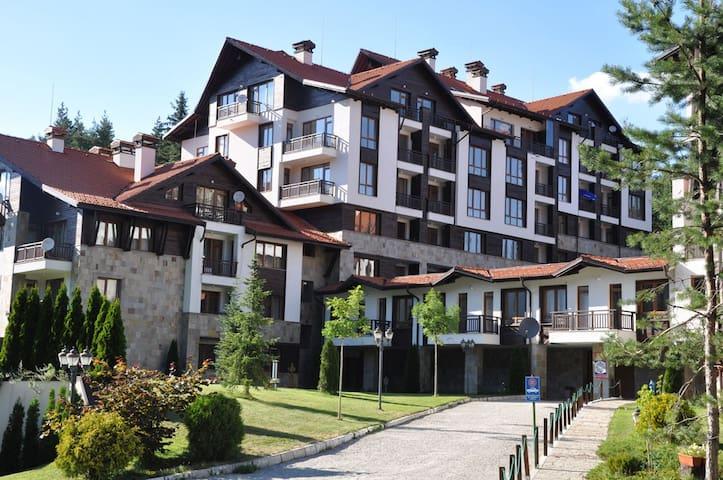 Ski-in ski-out Apartment, sleeps 4 - Borovets - Leilighet