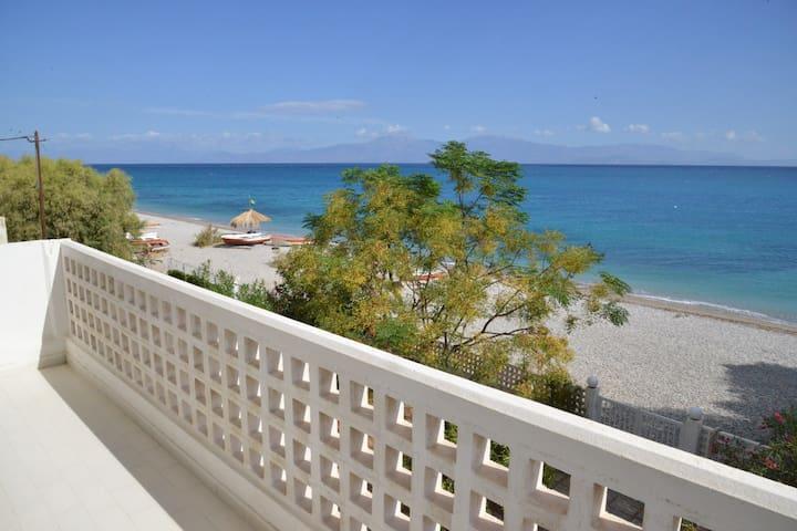 beautiful house in CORINTHIA BEACH! - Kato Diminio - Дом