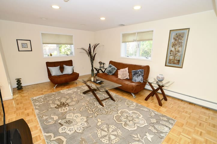 Very spacious apt 15 min from NYC - Fort Lee - Departamento