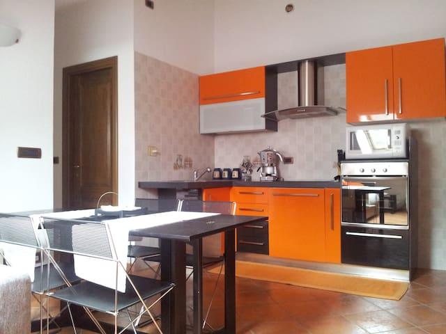 Apt 4/6 Posti Letto a Verres (AO)  - Verrès - 公寓