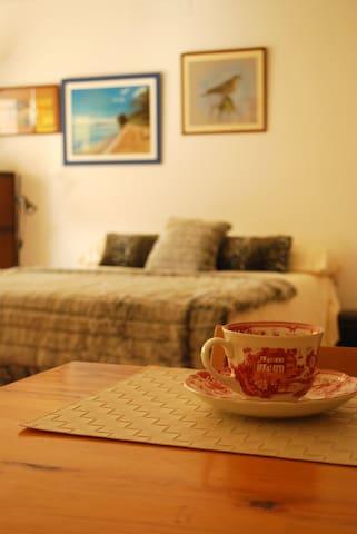 Romantic studio in Figueres - Figueres - Loft