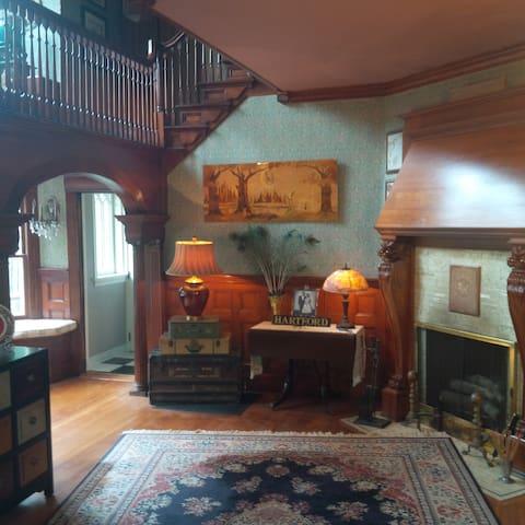 West End Private 3rd Floor Suite  - Hartford - Huis