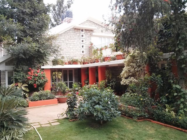 1) Outer Room in Dream Garden Villa - Bangalore