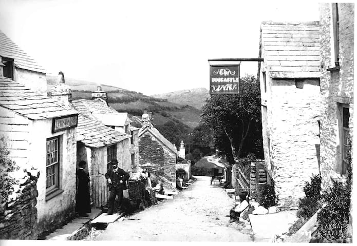 Originally the Boscastle Inn now cottage to let - Boscastle - Huis