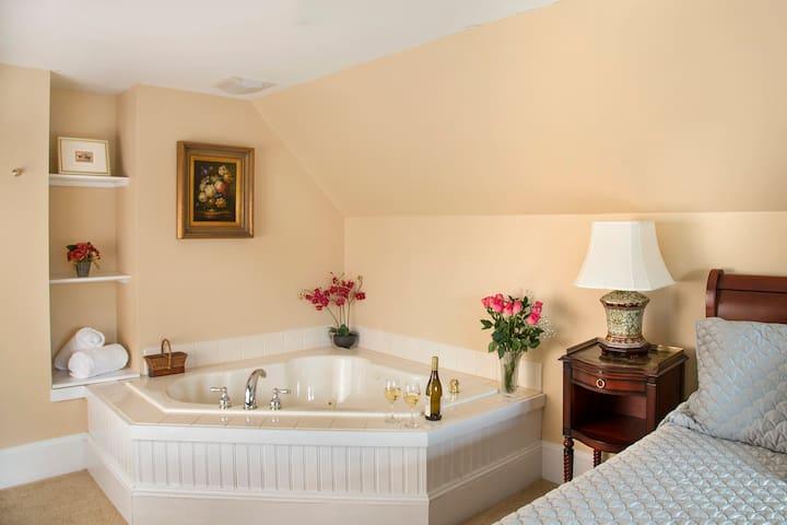 Glynn House:Jefferson Deluxe Suite - Ashland - Bed & Breakfast