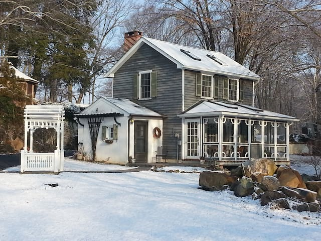 Cottage on Historic Gentleman Farm - Chester Springs - Haus