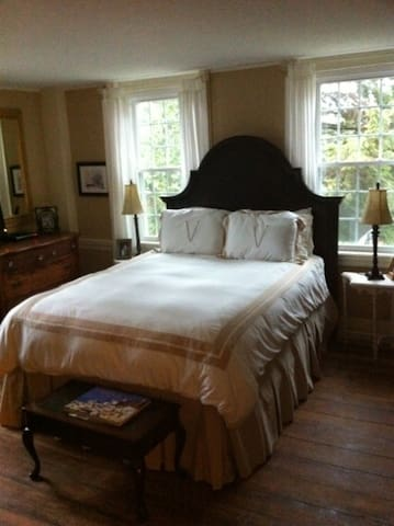 The Pottery Barn Room at Buttonwood - Sheffield - Maison
