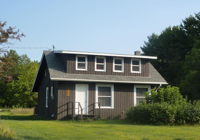 Cozy Base Camp for Adirondack Fun - Wilmington