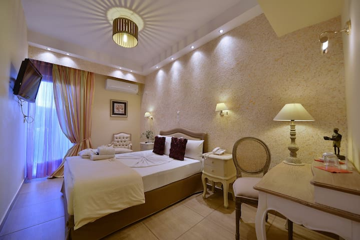 DOUBLE ROOM - Anixi - Bed & Breakfast