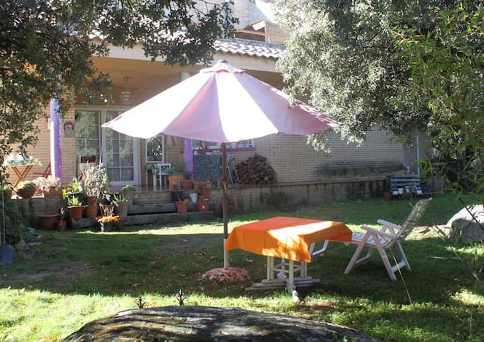 2 Habitaciones en Chalet frente al pantano - El Paraíso - Bed & Breakfast