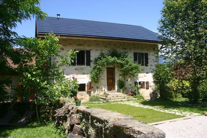 Cottage 90m² - 2 bedrooms - Amancy - Daire
