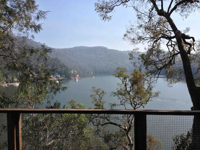 Sydney's North Secluded Waterfront - Berowra Waters - Ev