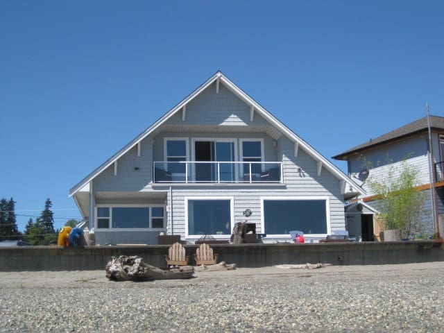 THE BEACH HOUSE on Priest Point - Tulalip - Casa
